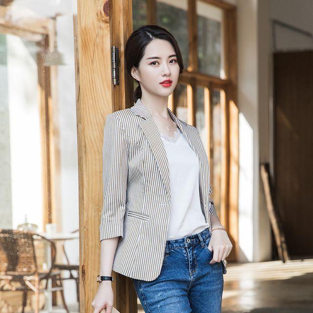 2019春夏新款韩版修身休闲港风复古条纹chic西服上衣女